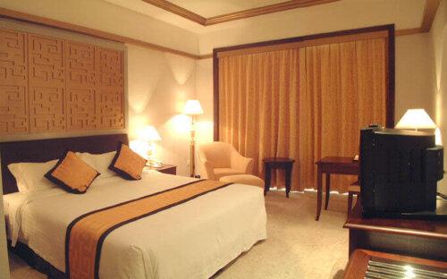 economic_oak_finished_hotel_bedroom_furniture_sets_king_size_double_size_bed_2