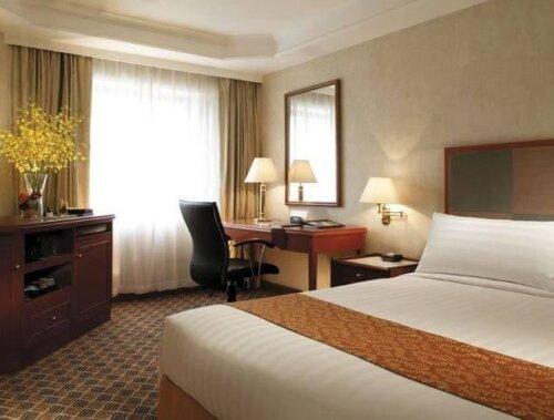 modern_beech_wood_veneer_custom_hotel_furniture_king_size_with_dining_table_set_2