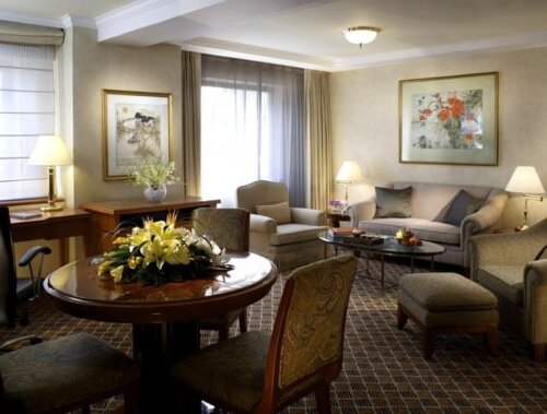 modern_beech_wood_veneer_custom_hotel_furniture_king_size_with_dining_table_set_3